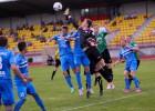 """Foto: FK """"Ogre"""" pret """"Valmiera Glass FK/BSS"""" tikai goda vārti"""