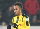 "Obamejangam ""hat-trick"", Dortmunde grauj ar 6:1"