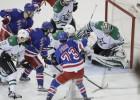 ''Stars'' uzvar 13 vārtu spēlē, ''Islanders'' atlaiž galveno treneri