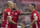 """""""Bayern"""" gūst divus ātrus vārtus un pārliecinoši uzvar Dortmundi"""