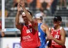 Samoilovs un Šmēdiņš atspēlējas un uzvar Latvijas pāru mačā