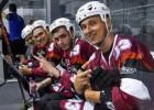 Begovam <i>hat-trick</i>, Latvijas skrituļhokeja izlase garantē pirmo vietu grupā