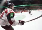 Latvijas izlase pirms spēles pret Kanādu piesaka aizsargu Siksnu