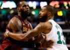 """""""Celtics"""" otrā uzvara sērijā, Klīvlendai ar Lebrona 42+10+12 nepietiek"""