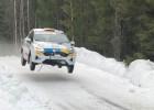 Sesks ilgstoši cīnās par vadību WRC posmā, bet dienas pēdējos dopos zaudē 35 minūtes