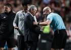 Poļu tiesnesis atvainojas Portugāles trenerim Santušam par šokējošu kļūdu