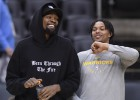 """Durants nespēlēs arī šonakt, """"Warriors"""" rīcībā atgriezīsies Tompsons"""