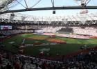 """""""Yankees"""" un """"Red Sox"""" sarīko <i>trilleri</i> pirmajā MLB spēlē Eiropā"""