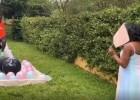 Video: Gaidot ģimenes pieaugumu, tāllēcējs veic noteiktu procedūru