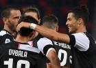 """Ronaldu realizē pendeli, uzvara ļauj """"Juventus"""" saglabāt pārsvaru"""