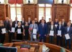 Foto: Saeimā sumina Latvijas vīriešu florbola izlasi