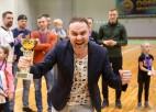Foto: Apbalvo Ogres čempionāta telpu futbolā laureātus