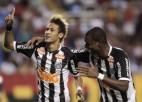 """Video: """"Santos"""" futbolisti pirms spēles atkārto deju soļus"""
