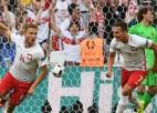 Polija atkal neielaiž, uzvar un 1/8 finālā spēlēs pret Šveici