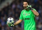 """Itālijas mediji: Bufons vienojies par atgriešanos """"Juventus"""". De Rosi uz """"Fiorentina""""?"""