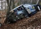 Video: Divi vadošie WRC braucēji Montekarlo rallijā piedzīvo avārijas