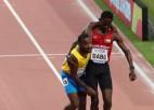 Video: Pasaules čempionātā skrējējs palīdz finišēt konkurentam