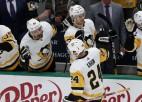 """Bļugers rezultatīvs trešo spēli pēc kārtas, """"Penguins"""" uzvar Dalasā"""