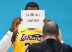 AP par desmitgades labākajiem sportistiem atzīst Lebronu Džeimsu un Serēnu Viljamsu