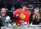 Video: KHL mača studijā organizē videokameras iznīcināšanu