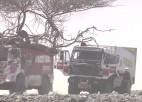 Video: Dakaras rallijā akmeņi nežēlo pat smago spēkratu riepas