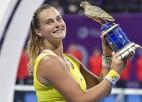 """Sabaļenka Dohas finālā uzvar Kvitovu, iegūst trešo """"Premier 5"""" titulu"""