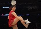 Video: NBA sezonas labākie šovi spēļu pārtraukumos, figurē arī latviete