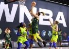 Stjuarte <i>iepļauj</i> no centra, Laksas komanda rezervē vietu WNBA pusfinālā
