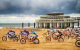 "Foto: Herlingss uzvar pludmales motosacīkstēs ""Red Bull Knock Out"""