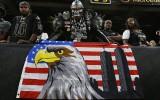 Foto: Pieminot 11. septembra upurus, sākas NFL sezona
