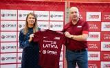 """Foto: Latvijas sieviešu izlases ģenerālsponsors - """"OPTIBET sporta bārs"""""""