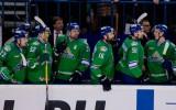 Ufas hokejisti bēdas slīcina alkoholā