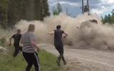Video: Skarbas avārijas un izpalīdzīgi līdzjutēji Somijas rallijā