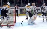 Video: Papildlaikā vārtu stabs glābj Merzļikinu, taču ne komandas biedrs