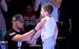 Video: Čečens atspiežas 4618 reizes, pārspējot Ingušijas zēna Ginesa rekordu