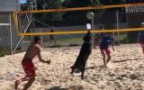 Video: Suns palīdz pieveikt Eiropas čempionu pludmales volejbolā