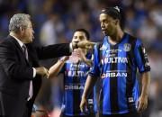 Ronaldinju pievienosies Eto'o Turcijā, MU piedāvā 40 miljonus par Ramosu