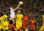 """Vaņins ar lielisku sniegumu neļauj """"Liverpool"""" uzvarēt"""