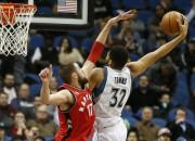 Taunsam 35 punkti pret Toronto, Čikāgas neveiksmes turpinās