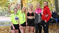 Lielvārdē skolēni sacenšas rudens krosa stafetēs