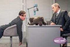 """Video: Režisors Andrejs Žagars debitē Dailes teātrī ar """"Ziloņa dziesmu"""""""