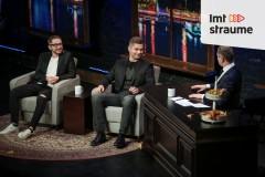 Video: Skuteļa šovs: Vai visas Rīgas rudens lapas tiek vestas uz Siguldu