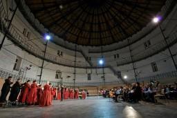 Inta Teterovska Rīgas koru grupa un Starptautiskās koru dienas kamerorķestris koncertā VIOLETS