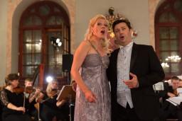 """Latvijas Operetes fonds aicina uz dzirkstošiem Jaungada koncertiem """"Nāc, ieklausies, draugs, kā Vīnē dzied!"""""""