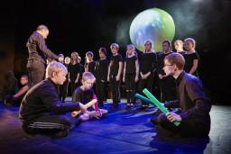 Sestdien festivāls ARĒNA aicina uz bērnu operu KIRANA ar Agra Daņiļeviča horeogrāfiju
