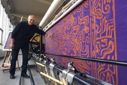 Parīzē prezentē gobelēnu, kas tapis  pēc Egila Rozenberga skices
