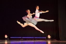 "Izziņo 19. Starptautisko baleta festivālu ""Baleta zvaigznes Jūrmalā"""