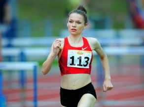 Jeļizarova atkal labo Latvijas rekordu