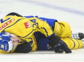 Zviedrija pret Latviju zaudē trīs spēlētājus, Brodīnam jāizlaiž deviņi mēneši