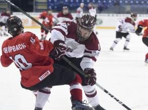 Latvijas U18 uzbrucējs par rupjību mača beigās saņem vienas spēles diskvalifikāciju